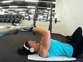 Sport Doll Training Biceps Triceps