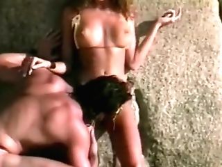 Racquel Darrian In The Beach