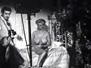 Huge-titted Paula Page Posing Naked (1950s Antique)
