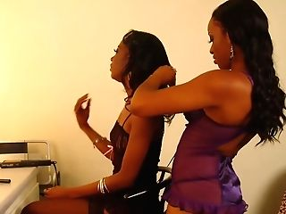 Dark Cuties Take Up With The Tongue Dressing Room Snatch